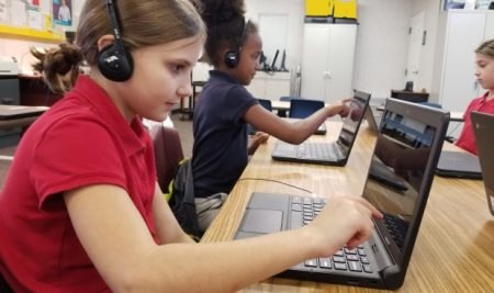 """Grace Students Participate in Worldwide """"Hour of Code"""" Event"""